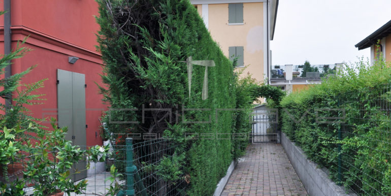 Vialetto-ingresso