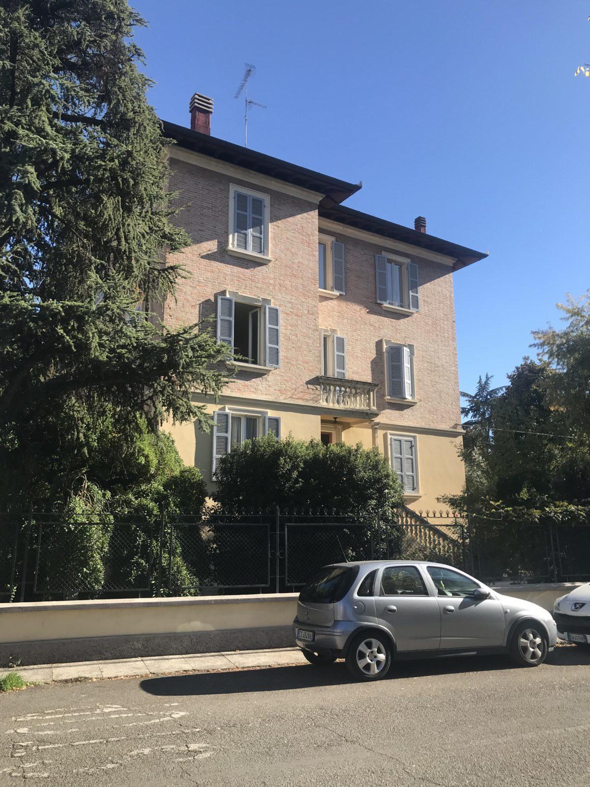 Appartamento a Modena – Rif A005
