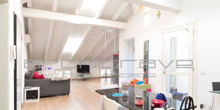 4 soggiorno cucina