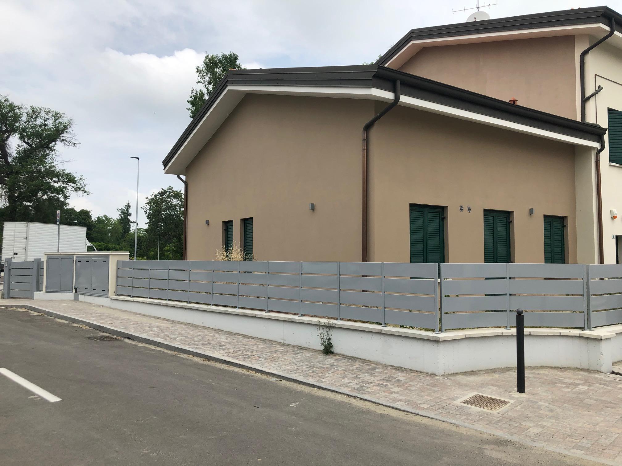 Villa a schiera di testa a Casinalbo – C011